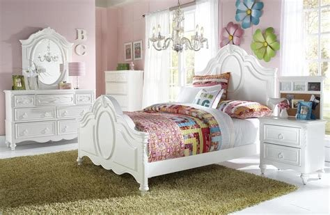 Best Samuel Lawrence Sweetheart With Trundle Storage Bedroom Set With Pictures