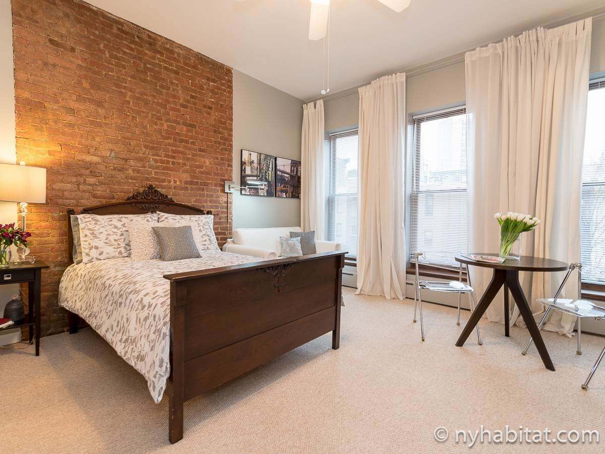 Best New York Bed And Breakfast 2 Bedroom Apartment Rental In With Pictures