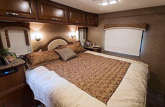 Best 2015 Thor Chateau Super C 35Sb Class C Motorhome Roaming Times With Pictures