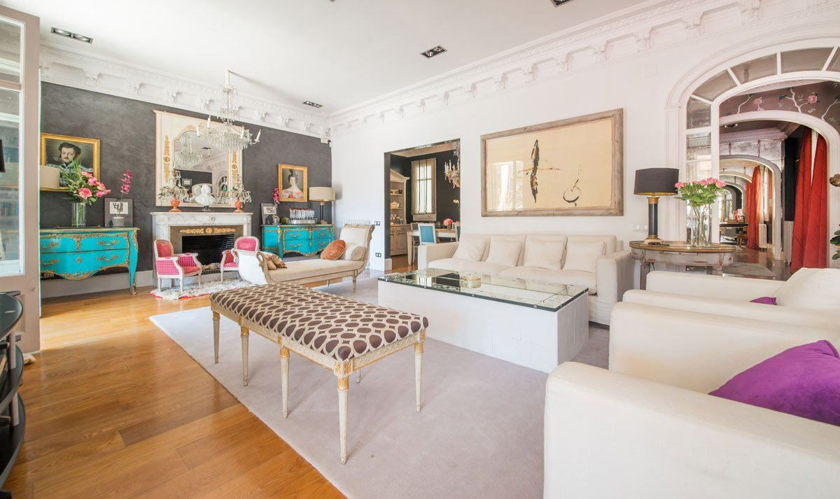 Best 4 Bedroom Apartment For Rent In Eixample With Pictures