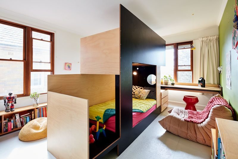 Best This Custom Bunk Bed Splits The Room In Two To Give Each With Pictures