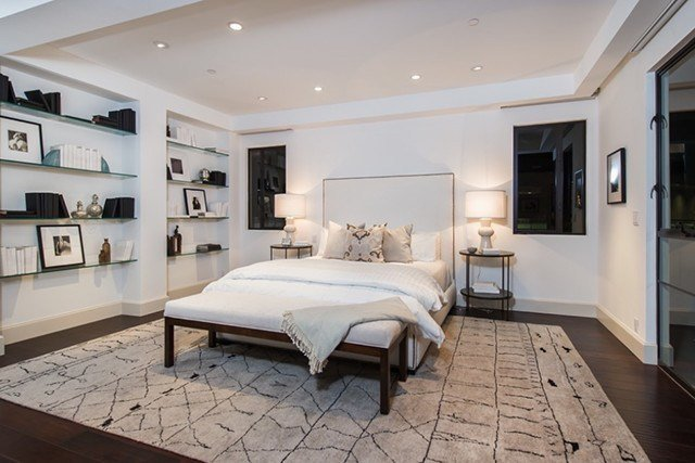Best Master Suite Rihanna Dropped 6 8 Million On A Glam L A With Pictures