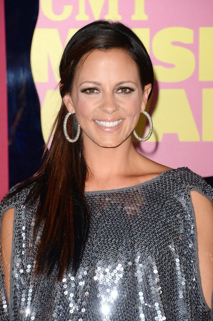 Free Sara Evans Ponytail Sara Evans Long Hairstyles Looks Stylebistro Wallpaper