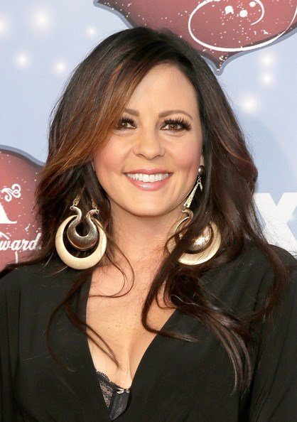 Free Sara Evans Long Side Part Sara Evans Looks Stylebistro Wallpaper