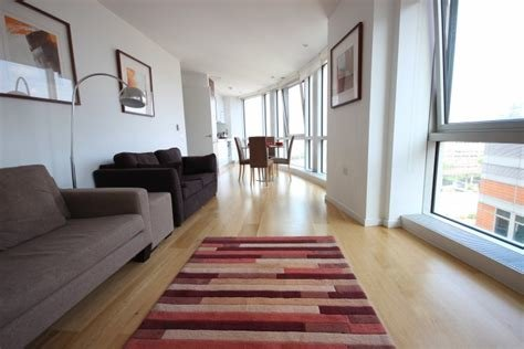 Best Dockland Prestige Residential » Luxurious 1 Bedroom Flat In Canary Wharf Onatrio Tower With Pictures