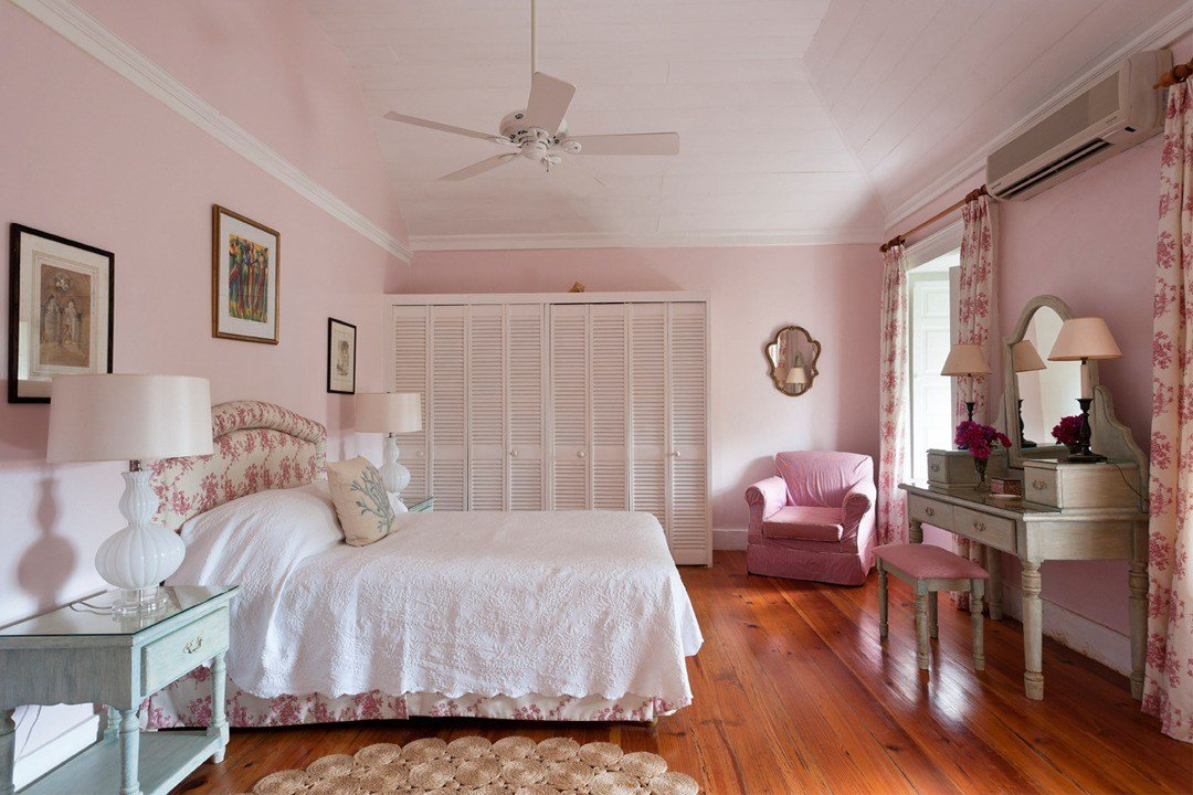 Best 10 Beautiful Master Bedrooms With Pink Walls With Pictures