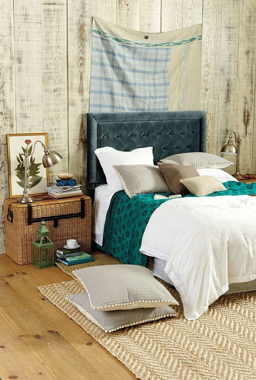 Best 10 Ways To Cozy Up Your Bedroom For Fall How To Decorate With Pictures