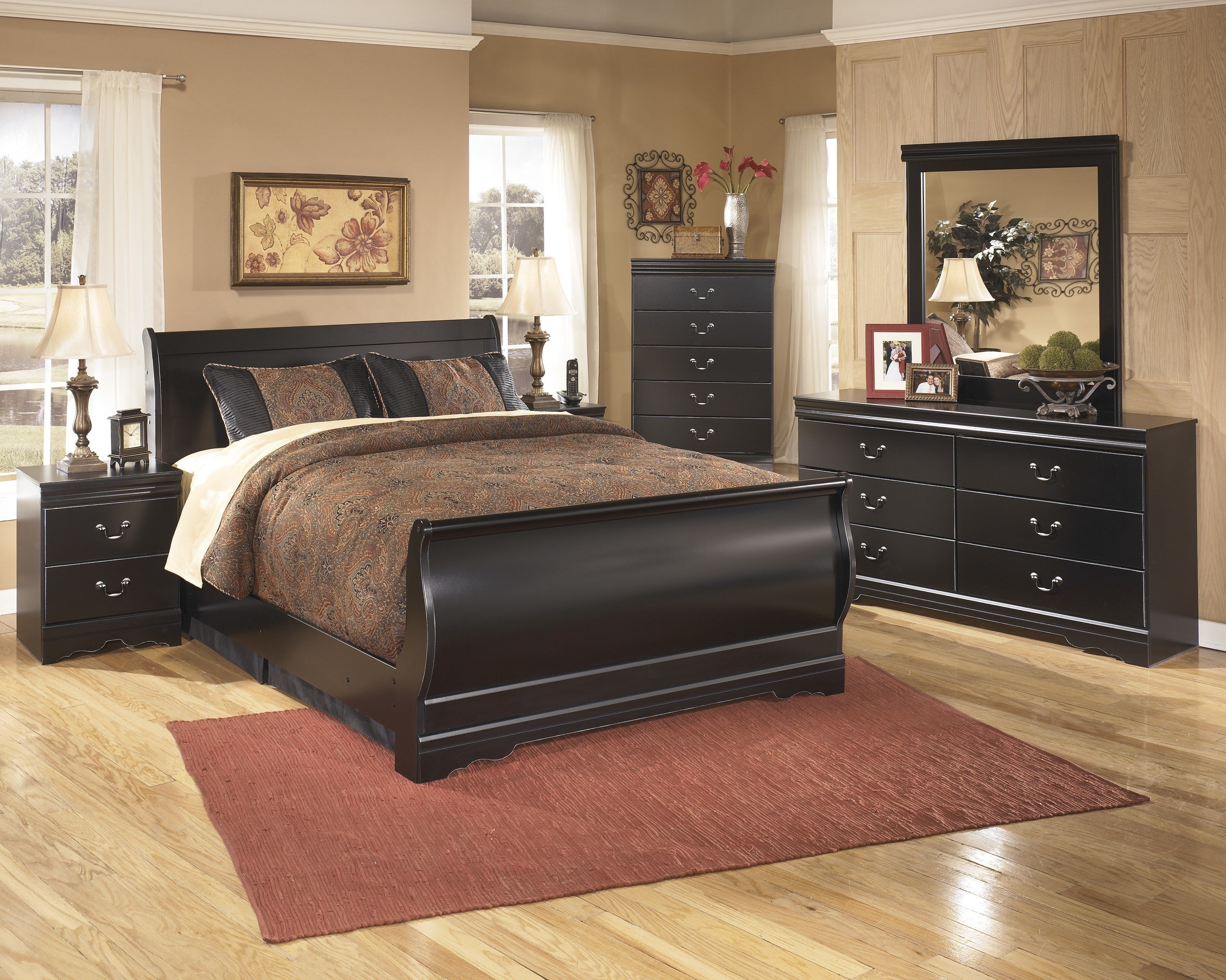 Best Black Oversized Bedroom Furniture Hawk Haven With Pictures