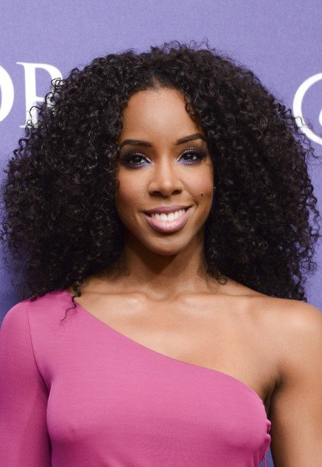 Free Kelly Rowland Naturally Curly Hairstyle Black Curly Wallpaper