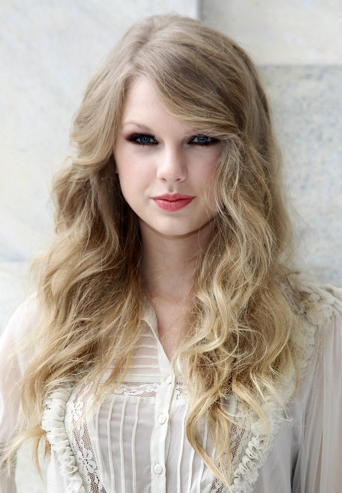 Free Taylor Swift S Hair Has Really Transformed Over The Years Wallpaper