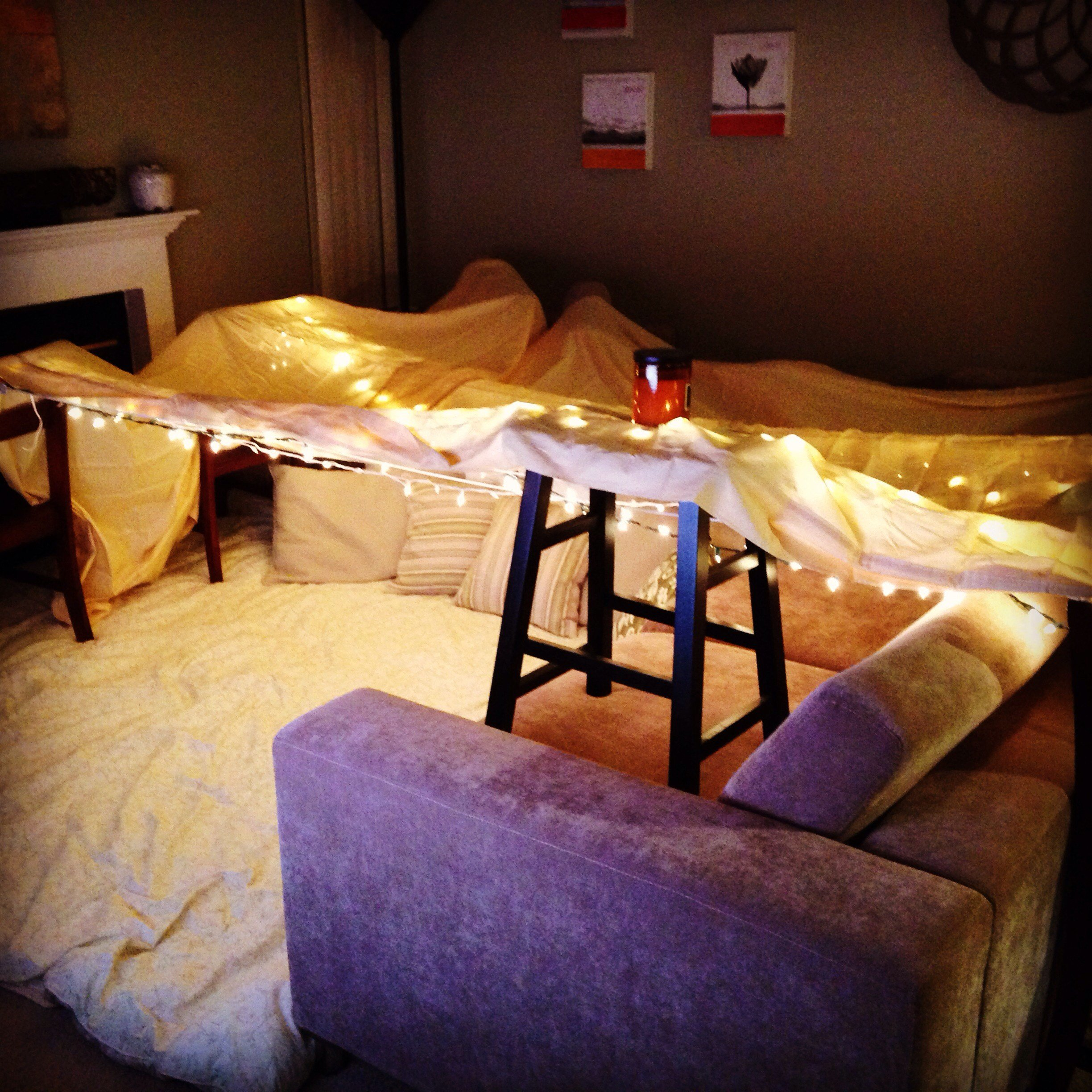 Best How To Make A Blanket Fort On Your Bed Bedroom Outdoor Kit Diy Build Step By Hotel Canning An With Pictures