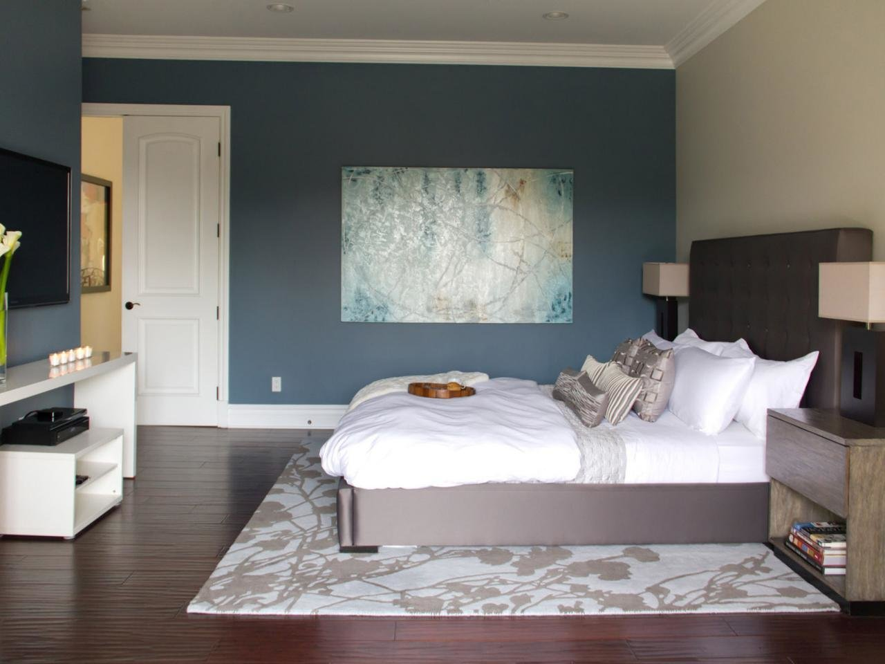 Best Master Bedroom Flooring Pictures Options Ideas Hgtv With Pictures