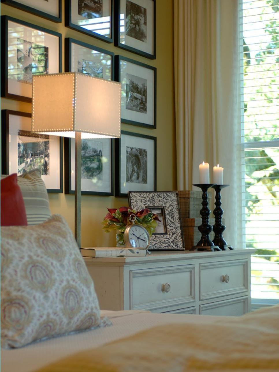 Best 10 Ways To Display Bedroom Frames Hgtv With Pictures