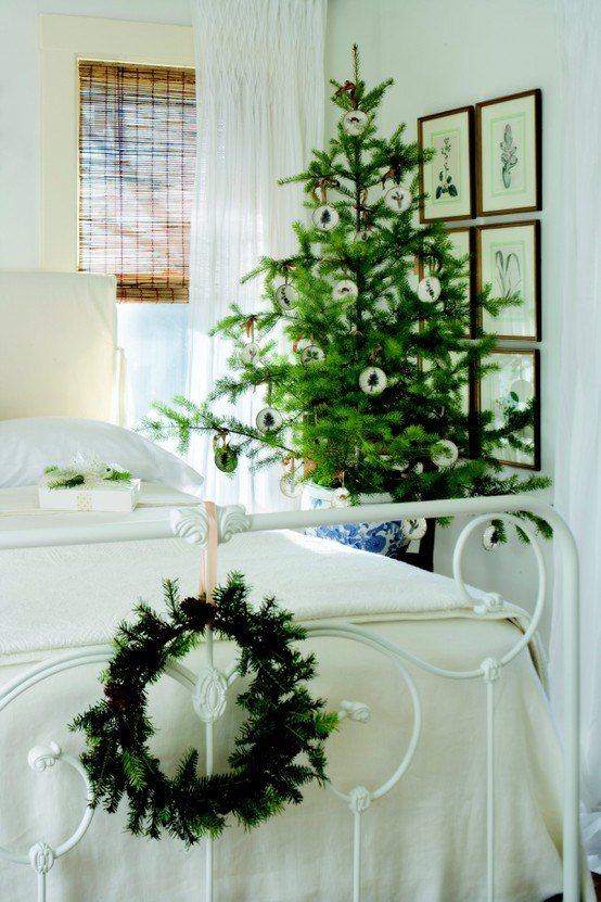 Best Dreaming Simple Christmas Decorating All Through The With Pictures