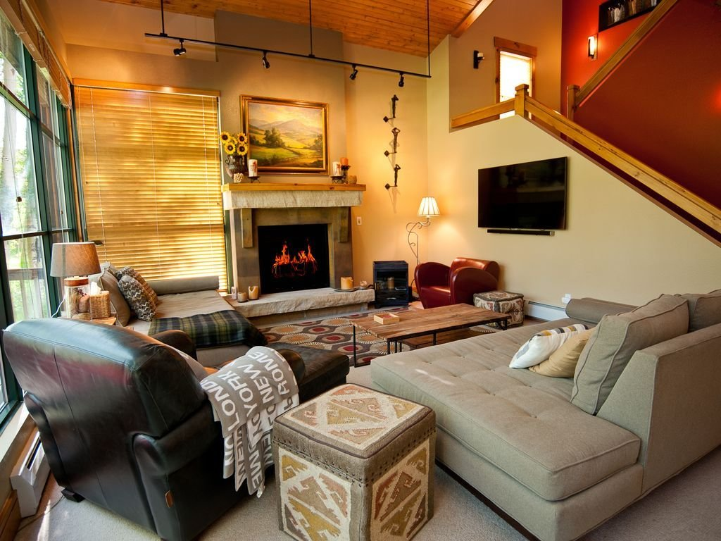 Best 3 Bedroom Townhome Garage Deck Backs To Vrbo With Pictures