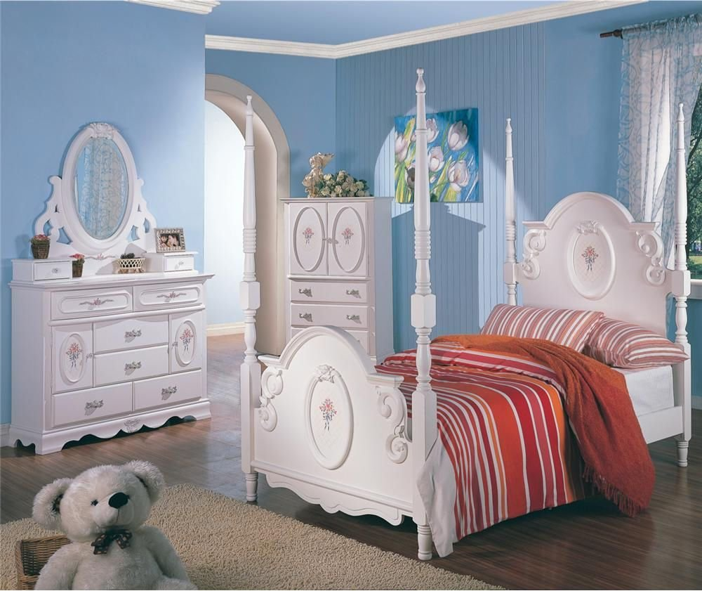 Best Twin White Wooden Poster Bed Girl S Bedroom Furniture 4 Pc With Pictures