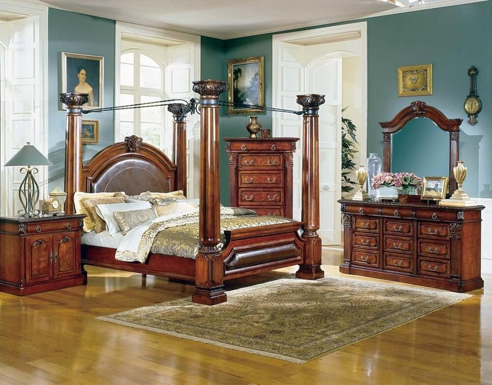 Best Queen Victoria S Bedroom Set Very Ornate And Detailed 5 With Pictures