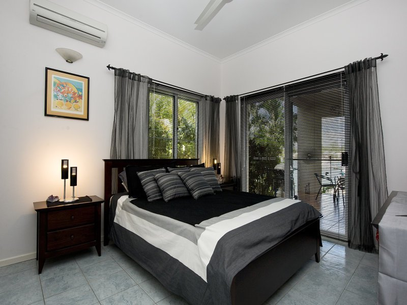 Best Modern Bedroom Design Idea With Tiles Louvre Windows With Pictures