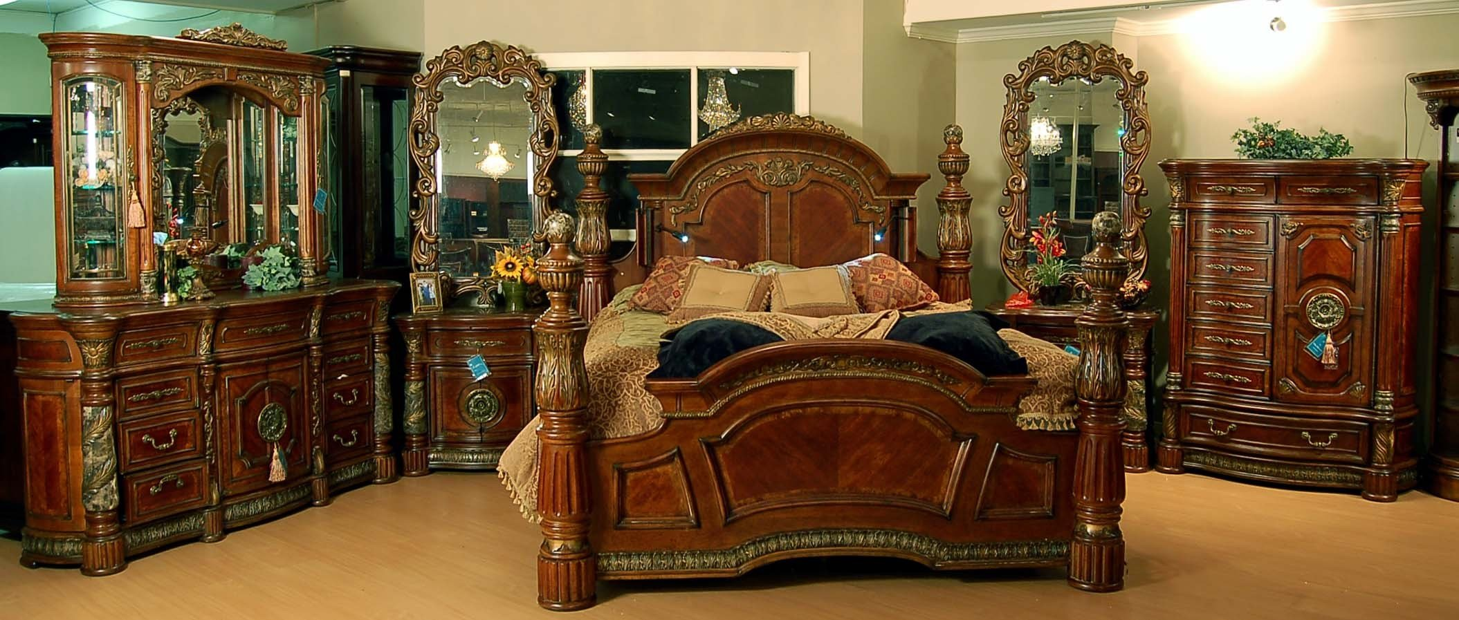 Best Classic Romantic Old World Spanish Chestnut Bedroom Set With Pictures