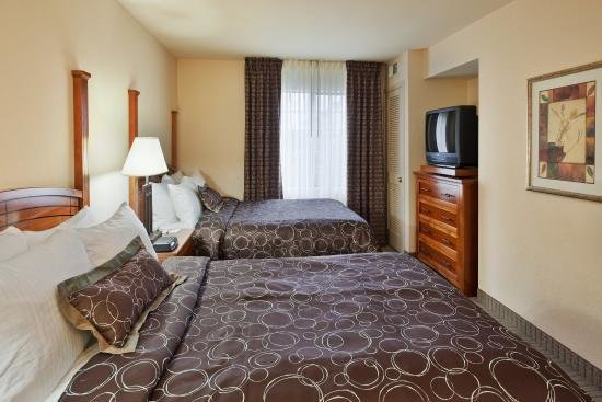Best King Size Bed In A 2 Bedroom Suite Picture Of Staybridge Suites Portland Airport Portland With Pictures