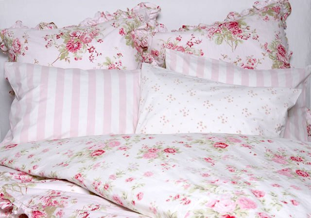 Best Two Lovely Things Floral Bed Linens Perfectly Pink With Pictures