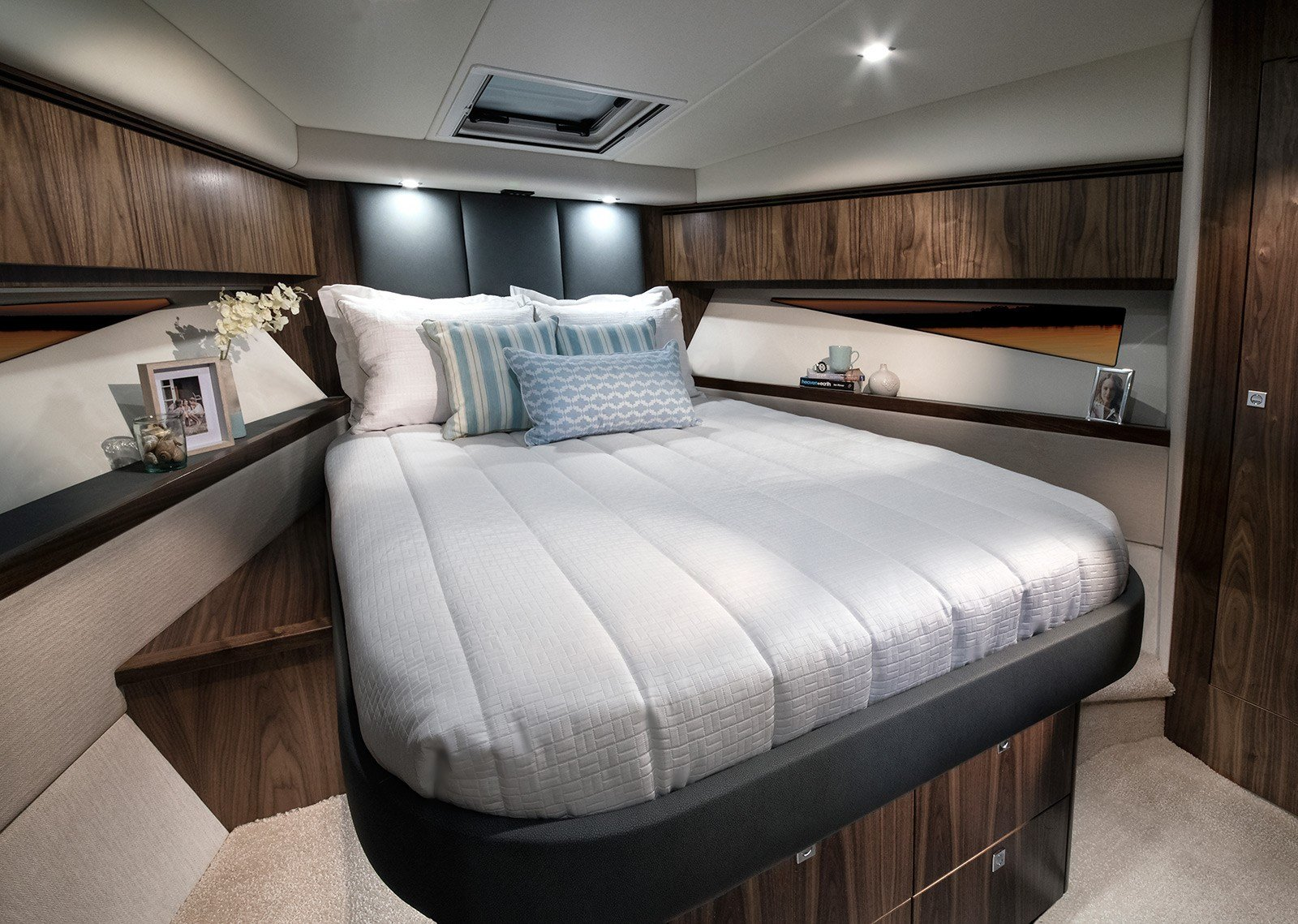 Best Boats Sport Yachts For Sale Powerboats Flybridge With Pictures