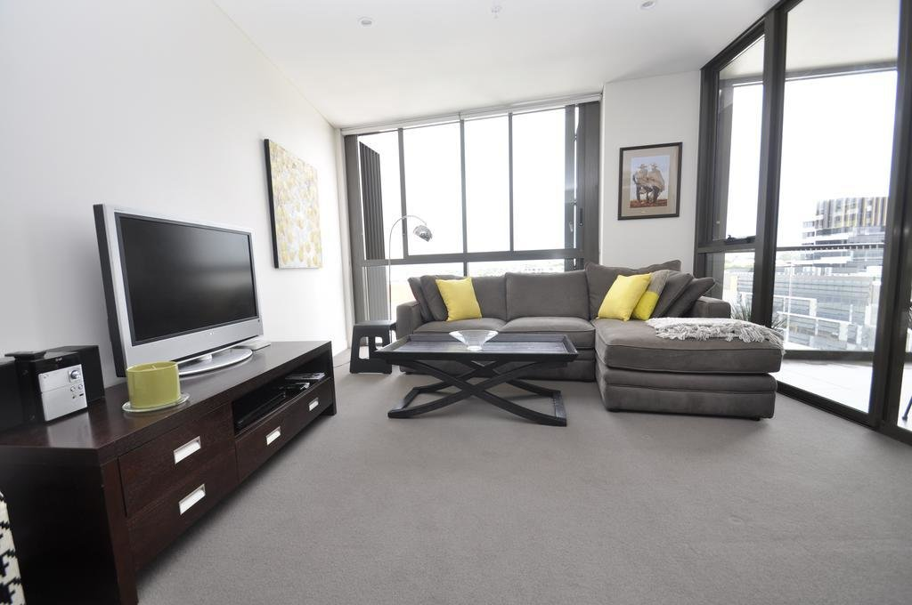 Best Waterloo Self Contained Modern One Bedroom Apartment With Pictures
