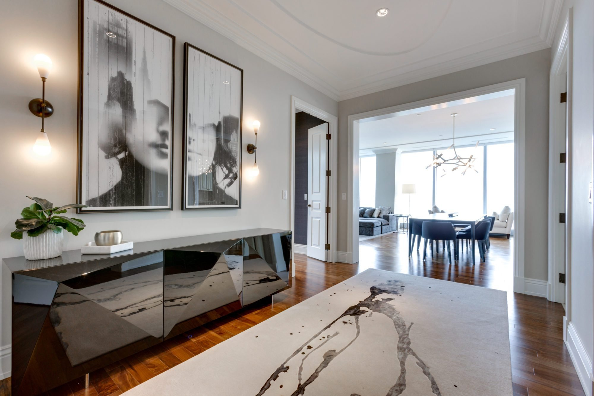 Best 4 Million For A Giant Ritz Carlton Suite With A Cn Tower View With Pictures