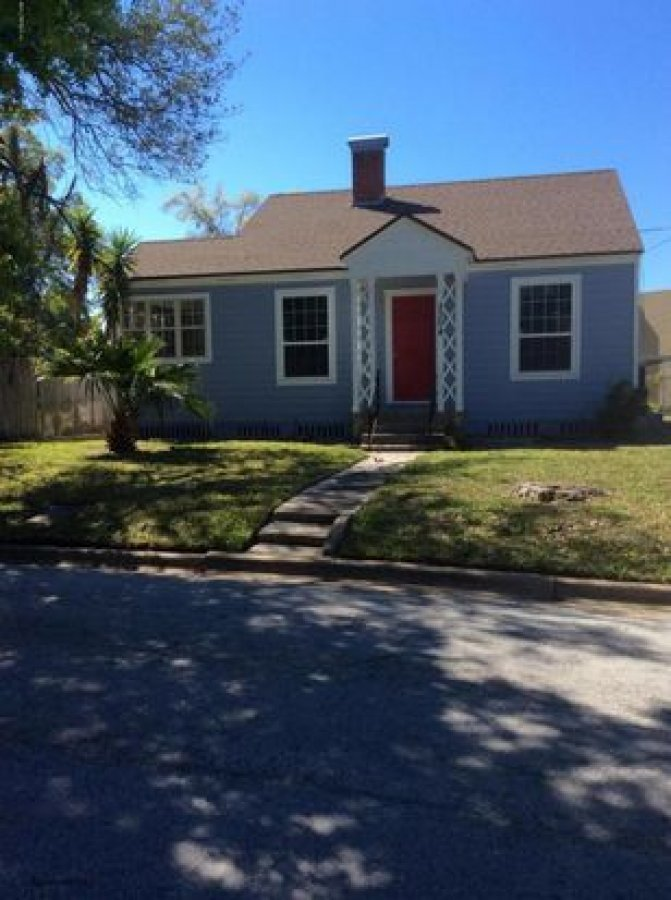 Best 3 Bed 2 Bath House For Rent For Single Family At With Pictures