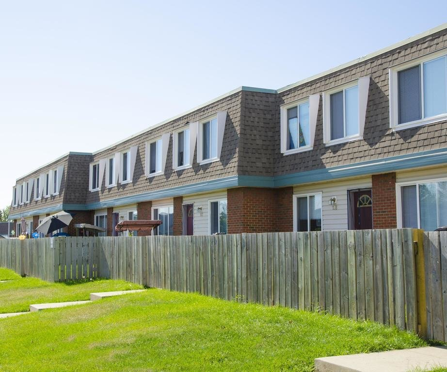 Best Edmonton West 3 Bedrooms Townhouse For Rent Ad Id Bw With Pictures