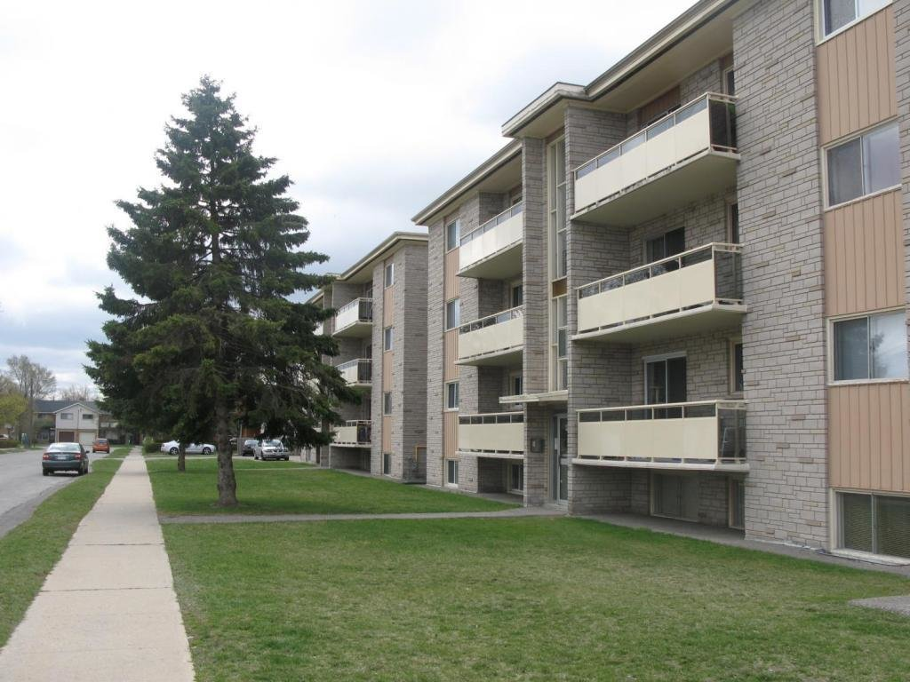 Best Kitchener West 2 Bedrooms Apartment For Rent Ad Id Cpa 6875 Rentboard Ca With Pictures