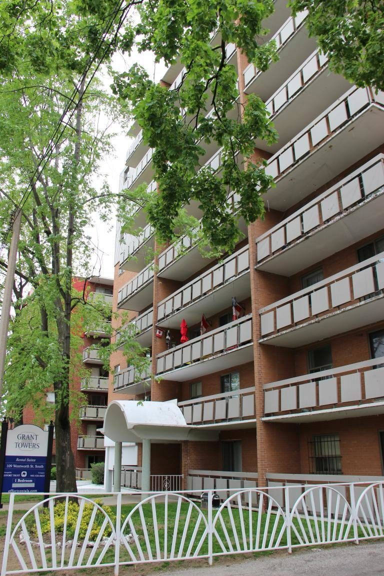 Best Hamilton East 2 Bedrooms Apartment For Rent Ad Id Etr With Pictures