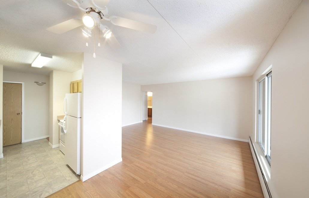 Best Edmonton Downtown 2 Bedrooms Apartment For Rent Ad Id Mpm 10806 Rentboard Ca With Pictures