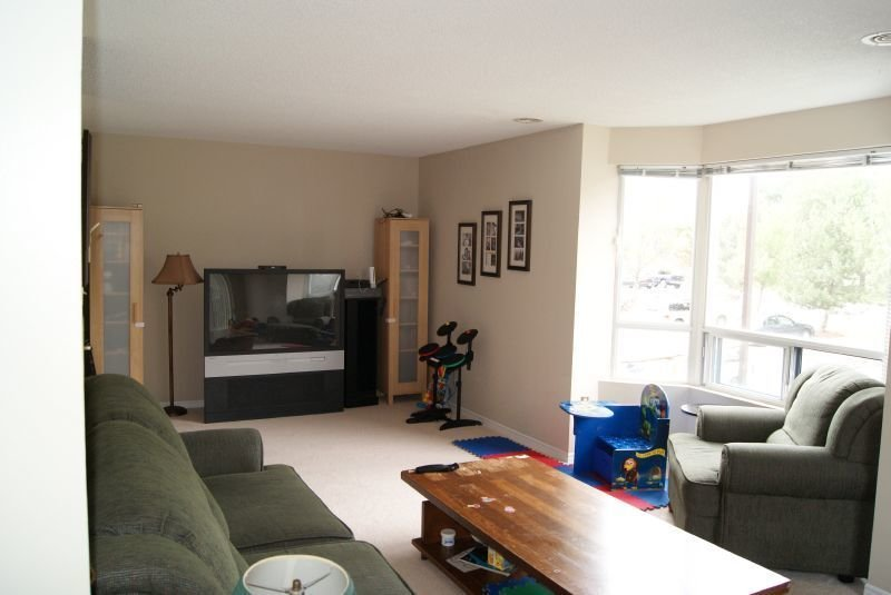 Best London South 2 Bedrooms Apartment For Rent Ad Id Ttg With Pictures