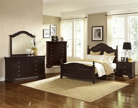 Best Vaughan Bassett French Market Antique Merlot 380 Bedroom Group With Pictures