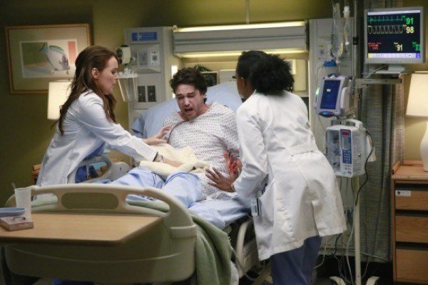 Best Grey's Anatomy Recap Relationship Reveal Season 11 Episode 19 Crazy Love Celeb D*Rty Laundry With Pictures