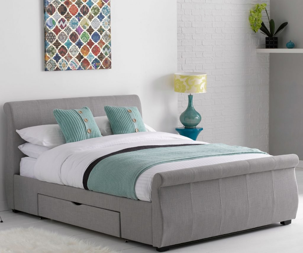 Best 8 Tips On How To Create A Comfortable Bedroom Space With Pictures