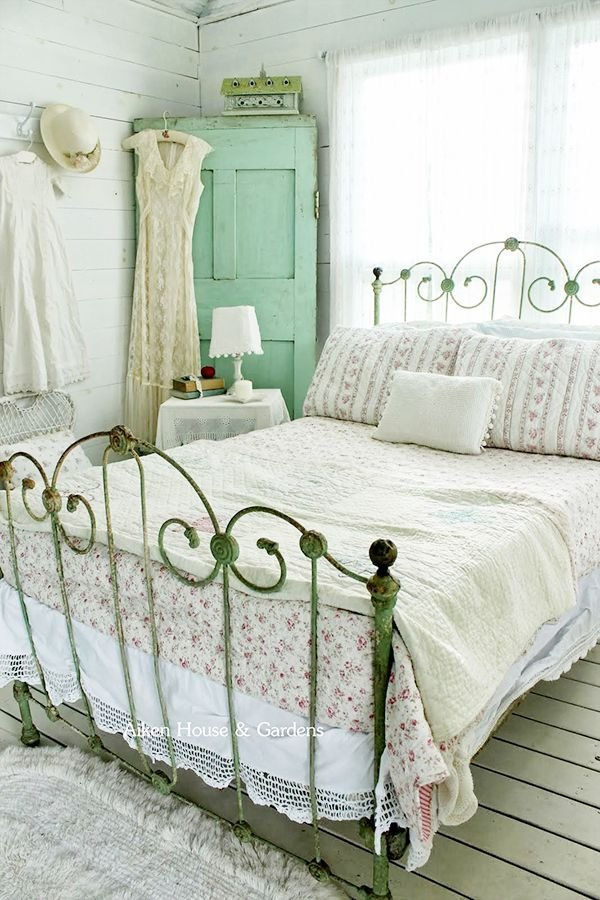 Best 33 Sweet Shabby Chic Bedroom Décor Ideas Digsdigs With Pictures