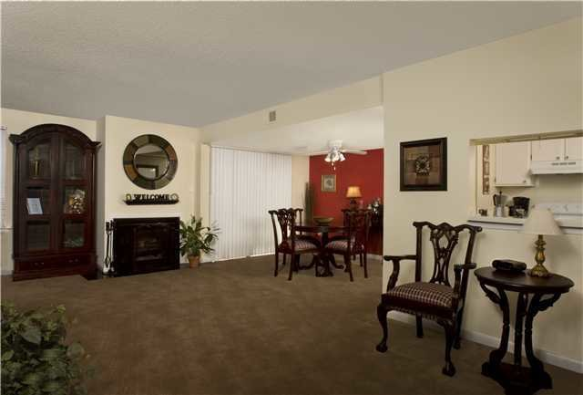 Best Poplar Place Townhomes Everyaptmapped Memphis Tn With Pictures