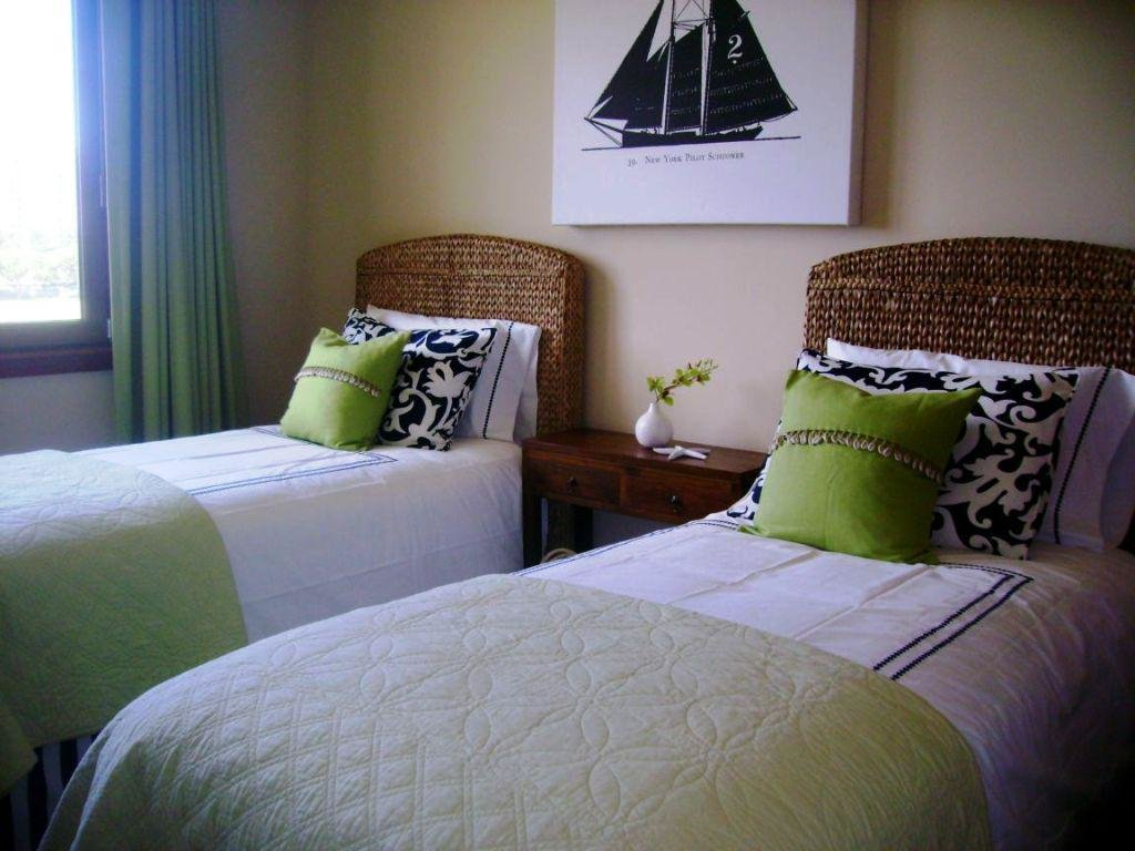 Best Small Guest Bedroom Ideas Futon Small Guest Bedroom Ideas With Pictures