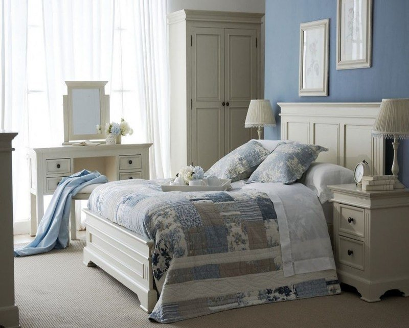 Best What Color Goes With Light Blue Furnitureteams Com With Pictures