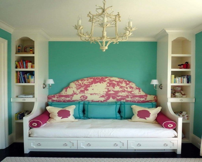 Best Ideas On How To Decorate A Small Bedroom Furnitureteams Com With Pictures