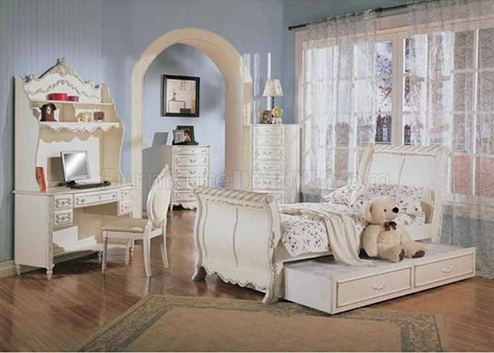Best Classic Pearl White Girl S Bedroom Set W Carved Details With Pictures