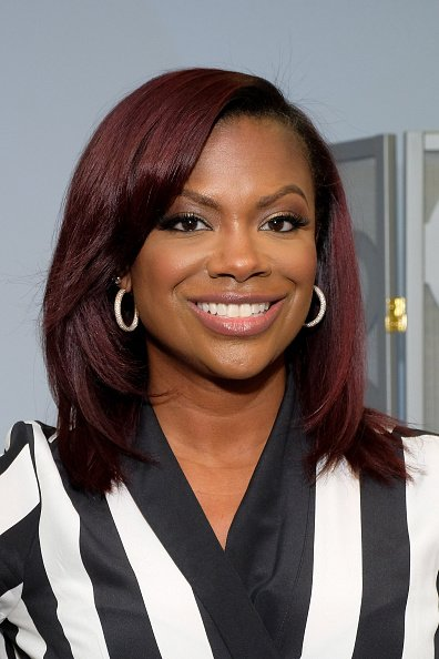 Free Kandi Burruss Wows At Extra Appearance Wallpaper