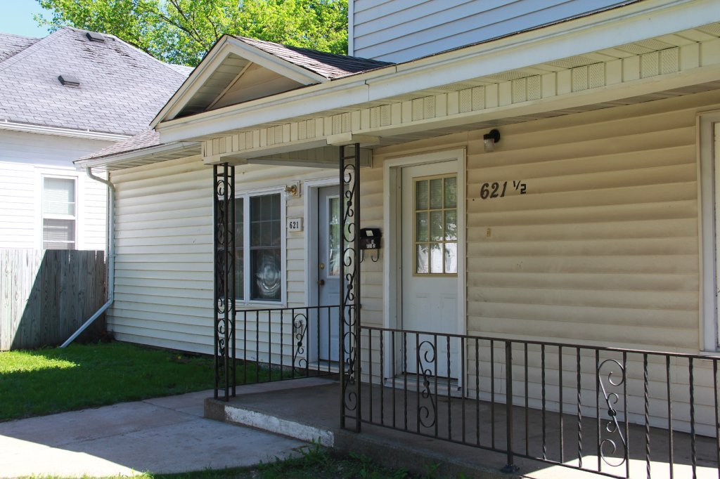 Best 621 1 2 Water St Uwec Student Apartment For Rent With Pictures