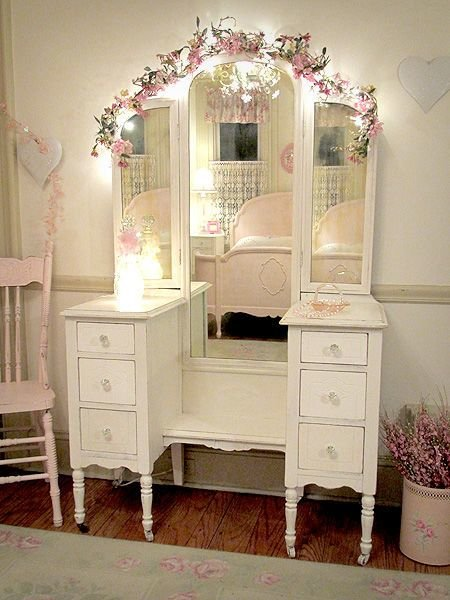 Best Shabby Chic Vanity Pictures Photos And Images For Facebook Tumblr Pinterest And Twitter With Pictures