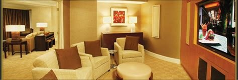 Best Mandalay Bay Rooms And Suites Information With Pictures