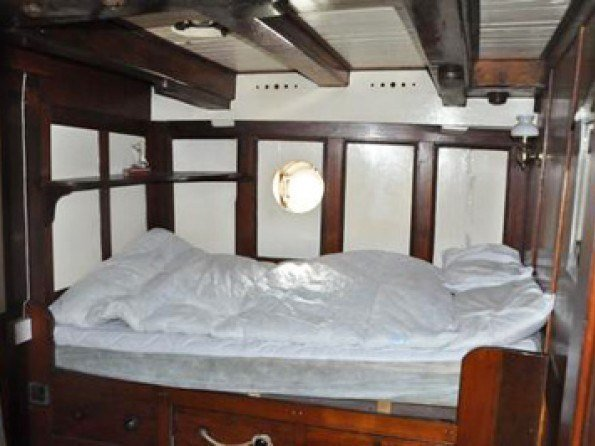 Best 6 Bedroom Moored Houseboat In England Essex Colchester With Pictures
