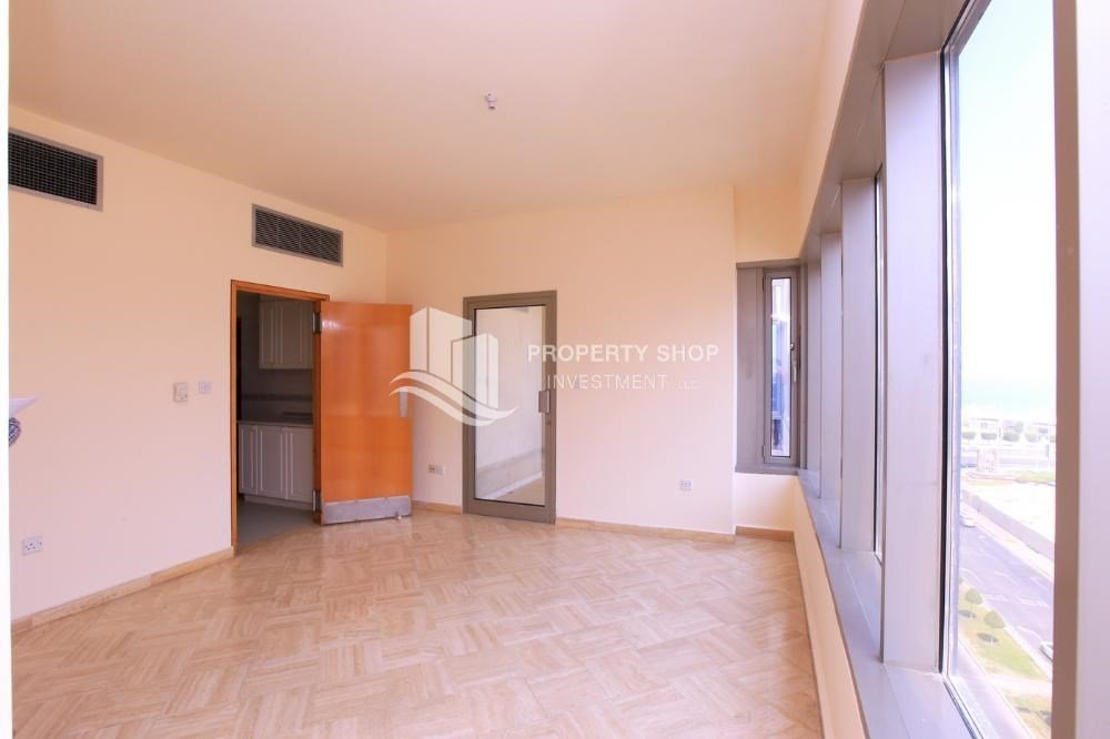 Best 3 Bedroom Apartment For Rent In Sheleila Tower Corniche With Pictures
