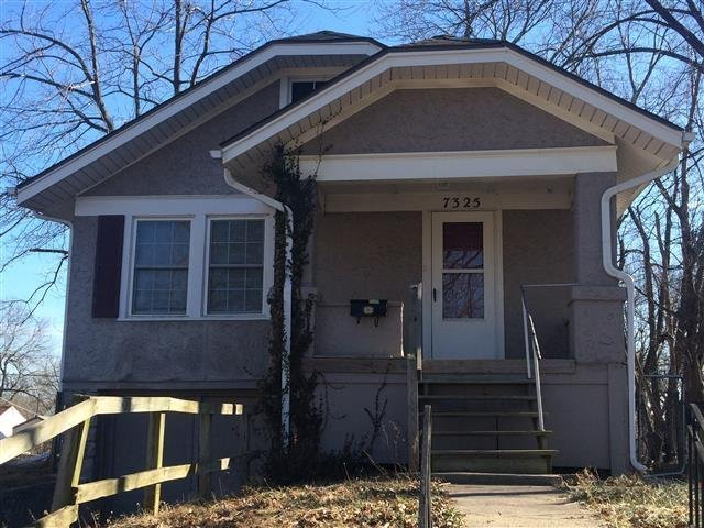 Best House For Rent In 7325 Walrond Ave Kansas City Mo With Pictures